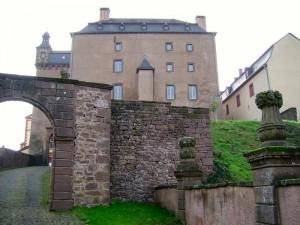 Alt. Haus- Schloss Malberg - Tor außen
