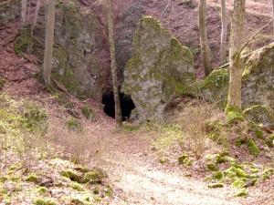 Eingang Birresborner Eishöhlen
